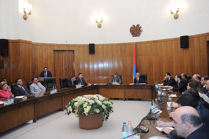 Armenia -- President Serzh Sarkissian addresses the Cabinet, Yerevan, 15Sep2012