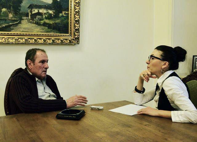 "Former President Levon Ter-Petrossian gives an interview to Khristine Khanumian, journalist of ""Chorrord Inqnishkhanutyun"" newspaper"