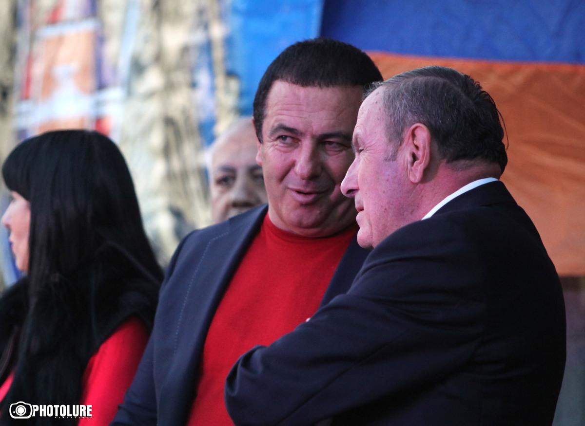 "Armenia - Leader of ""Prosperous Armenia"" party Gagik Tsarukian and former President Levon Ter-Petrosian at an opposition rally in Yerevan, 10Oct2014."