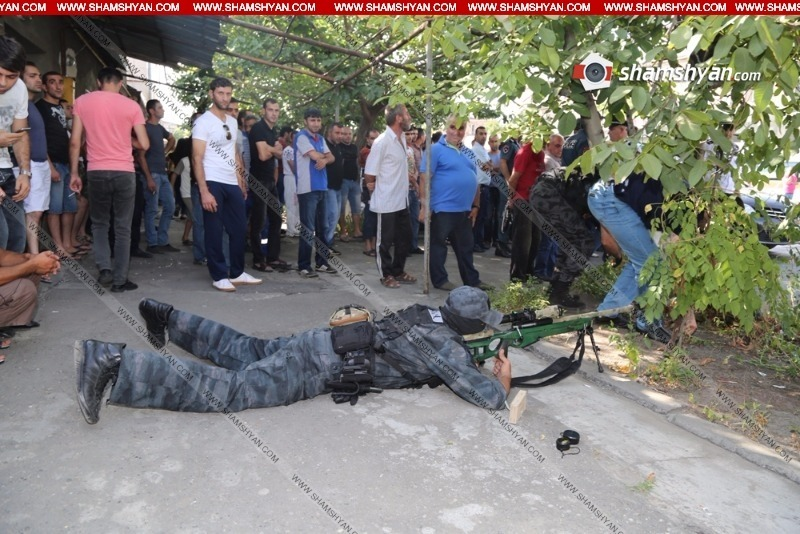 Police Sniper Shoots a Hostage Taker in Yerevan